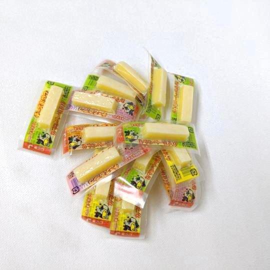 【箱売駄菓子】チーズおやつ(48本入り 単価11円以下)