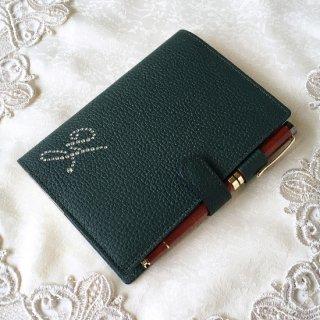 手帳カバー / ブックカバー A6 / B6 対応サイズ (型押しシュリンクレザー6色) イニシャルデコレーション