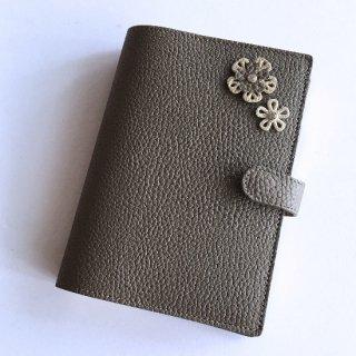 手帳カバー / ブックカバー A6 / B6 対応サイズ (型押しシュリンクレザー6色) フラワーデコレーションA