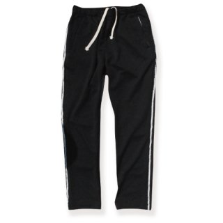 <img class='new_mark_img1' src='https://img.shop-pro.jp/img/new/icons16.gif' style='border:none;display:inline;margin:0px;padding:0px;width:auto;' />Line straight jersey pants(ラインストレートジャージパンツ/ブラック)