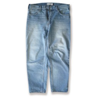 <img class='new_mark_img1' src='//img.shop-pro.jp/img/new/icons47.gif' style='border:none;display:inline;margin:0px;padding:0px;width:auto;' />Loose tapered denim(ルーズテーパードデニム/ライトウォッシュ)