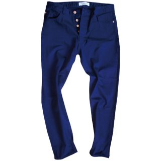 <img class='new_mark_img1' src='//img.shop-pro.jp/img/new/icons47.gif' style='border:none;display:inline;margin:0px;padding:0px;width:auto;' />Navy wash Ankle tapered denim