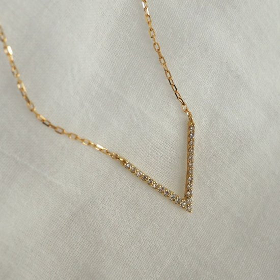 18k ダイヤモンドネックレス「Arrow」予約 40cm (5cmアジャスターオプションあり)