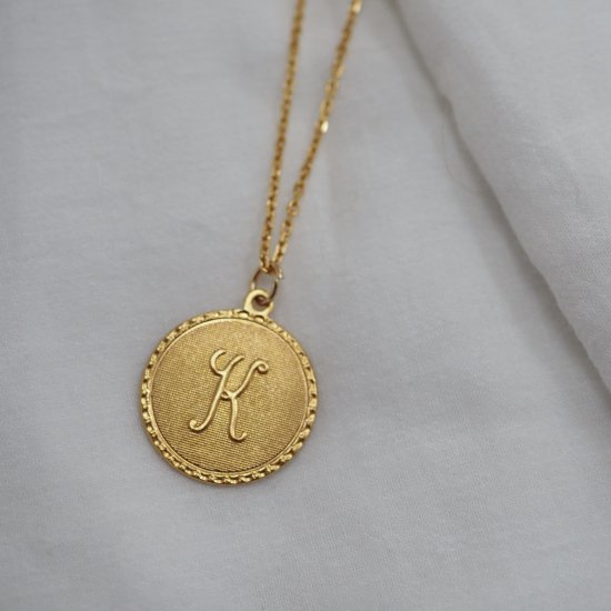 Initial Coin Necklace Made of Silver 925 (请选择颜色 * 金色是加费)