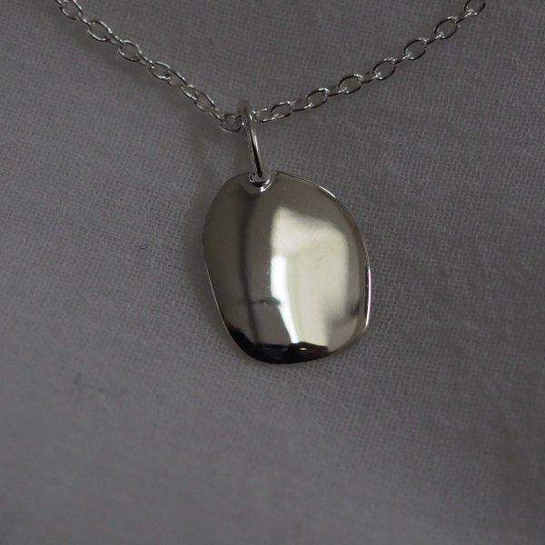 由 925 银制成的 Mood Charm 圆形(银色链长,根据选项另加费用)