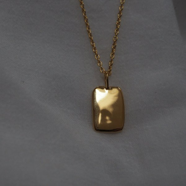 Gold Mood Charm Square 由 925 银制成(金色链长,根据选项收取费用)