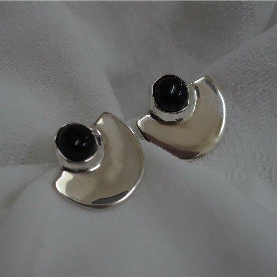 Silver Type Que Onyx (ต่างหูเจาะหรือต่างหู)