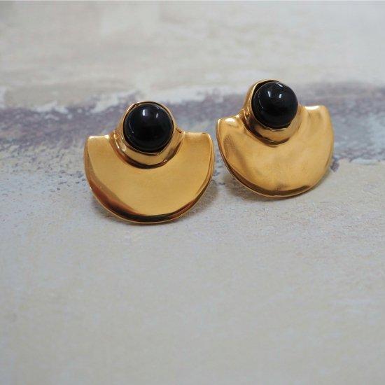 Gold Type Que Onyx (ต่างหูเจาะหรือต่างหู)