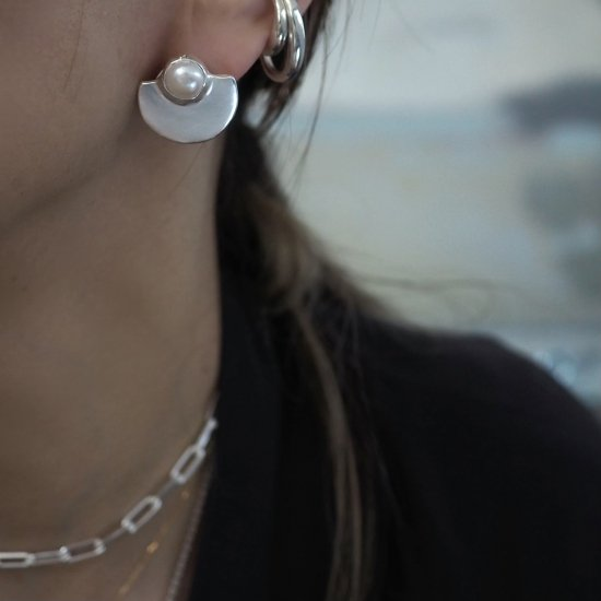 Silver Type Que ไข่มุกน้ำจืด (เจาะต่างหูหรือต่างหู)