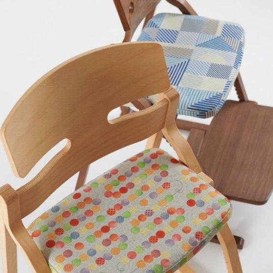 アップライトとテキスタイルデザイナーコラボの新色登場。UPRIGHT  meets tona
