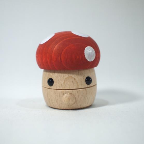 どんぐりきのこ レッド おもちゃのこまーむ メインイメージ