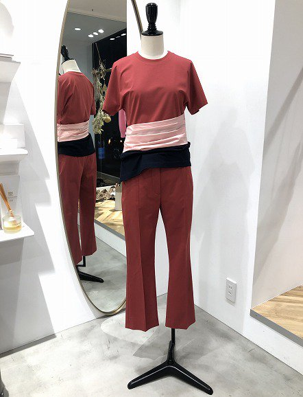 <img class='new_mark_img1' src='https://img.shop-pro.jp/img/new/icons50.gif' style='border:none;display:inline;margin:0px;padding:0px;width:auto;' />SPORTMAX パンツ
