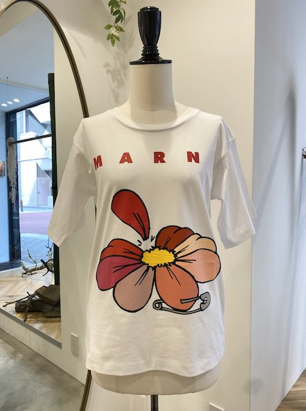 <img class='new_mark_img1' src='https://img.shop-pro.jp/img/new/icons50.gif' style='border:none;display:inline;margin:0px;padding:0px;width:auto;' />MARNI フラワーTシャツ