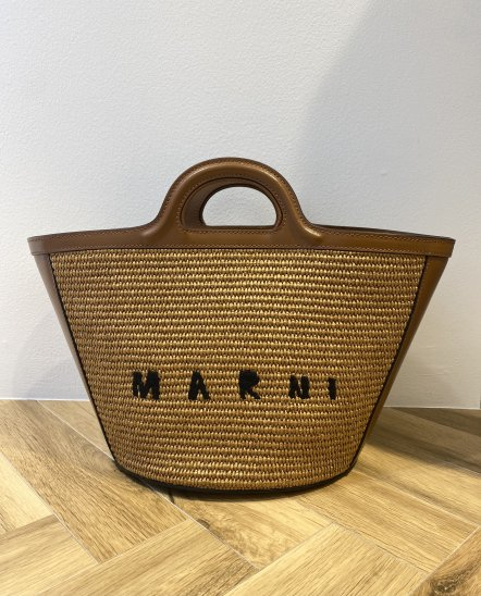 <img class='new_mark_img1' src='https://img.shop-pro.jp/img/new/icons14.gif' style='border:none;display:inline;margin:0px;padding:0px;width:auto;' />MARNI マルニ TROPICALIA バッグ