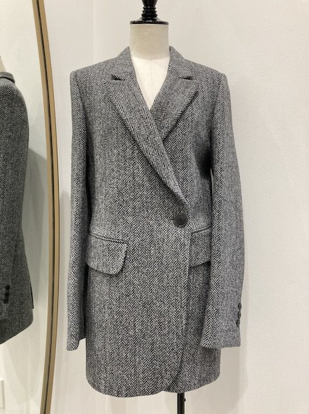 <img class='new_mark_img1' src='https://img.shop-pro.jp/img/new/icons14.gif' style='border:none;display:inline;margin:0px;padding:0px;width:auto;' />PETAR PETROV Tweed jacket