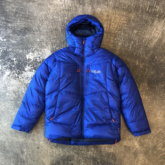 <img class='new_mark_img1' src='//img.shop-pro.jp/img/new/icons1.gif' style='border:none;display:inline;margin:0px;padding:0px;width:auto;' />Rab EXPEDITION 7000 JACKET(Celestial)