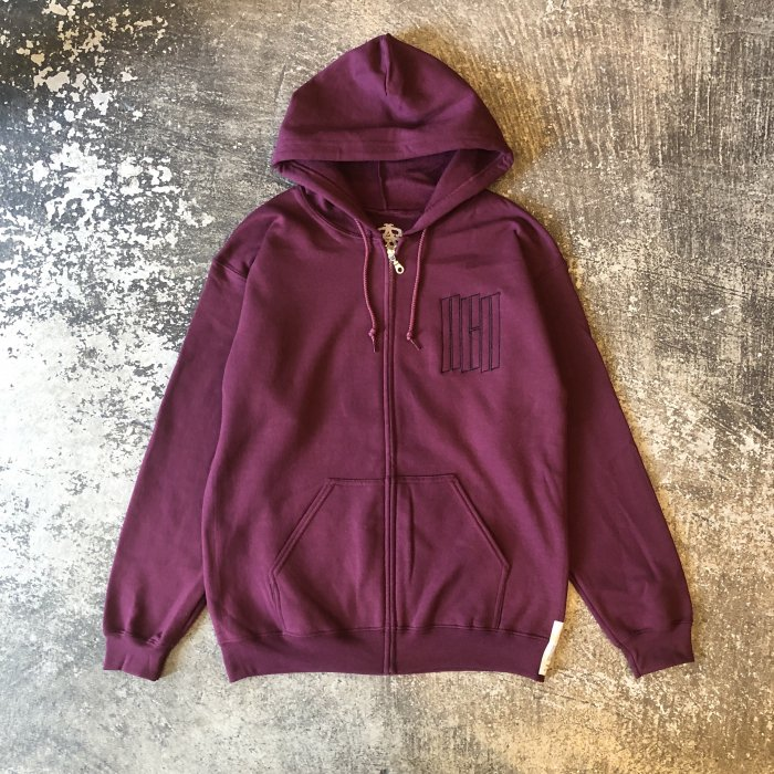 <img class='new_mark_img1' src='//img.shop-pro.jp/img/new/icons1.gif' style='border:none;display:inline;margin:0px;padding:0px;width:auto;' />AGIT EMB LOGO ZIP HOODY(Maroon)