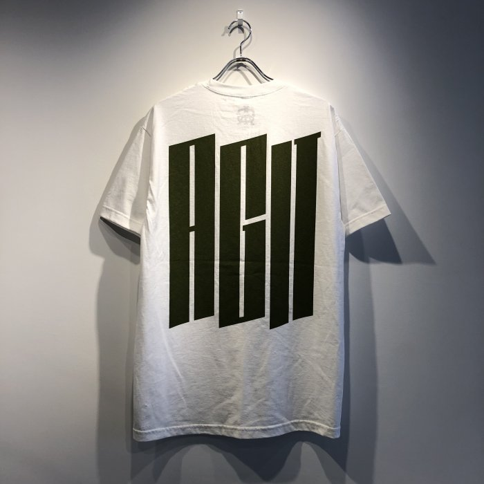 <img class='new_mark_img1' src='//img.shop-pro.jp/img/new/icons1.gif' style='border:none;display:inline;margin:0px;padding:0px;width:auto;' />AGIT Big Logo Pocket Tee(White/Army green)