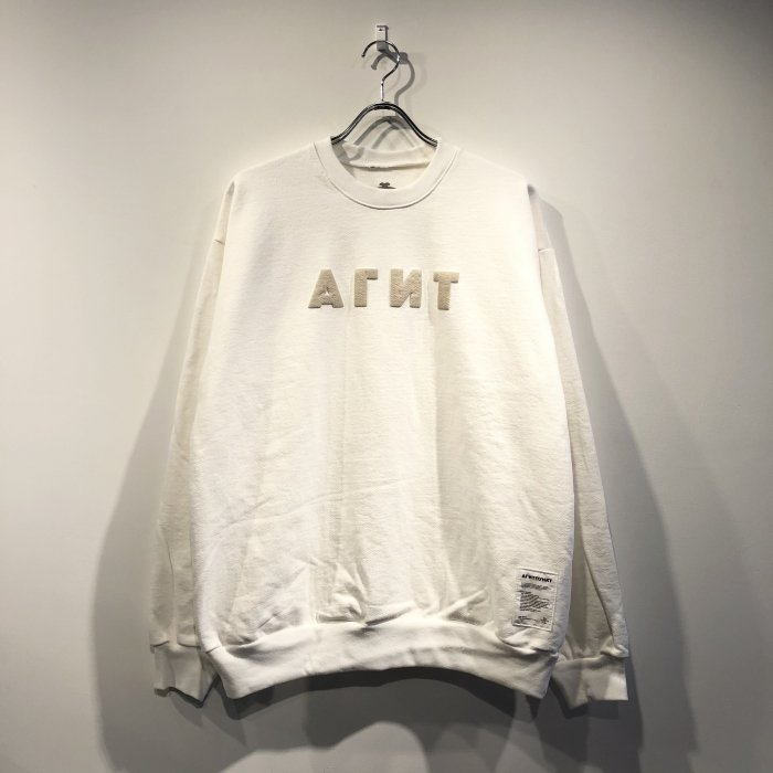 <img class='new_mark_img1' src='https://img.shop-pro.jp/img/new/icons47.gif' style='border:none;display:inline;margin:0px;padding:0px;width:auto;' />AGIT AGIT PUNKT CREWNECK(White/grege)