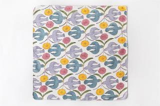 木版プリントのハンカチ 鳥と花