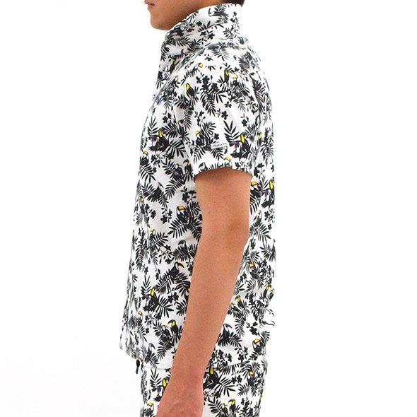 JB バード&リーフ柄パイルポロシャツのコーディネート写真
