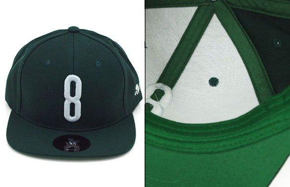 YA 「8」ロゴ刺繍♪平つばキャップ(グリーン)のコーディネート写真