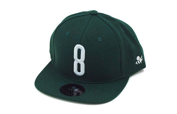 YA 「8」ロゴ刺繍♪平つばキャップ(グリーン)