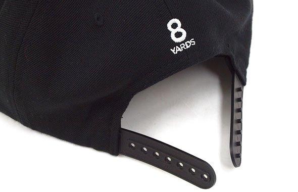 YA 「8」ロゴ刺繍♪平つばキャップ(ブラック)のコーディネート写真