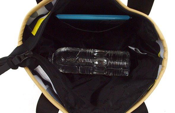 VI カモフラ柄カートバッグ(ホワイト)のコーディネート写真