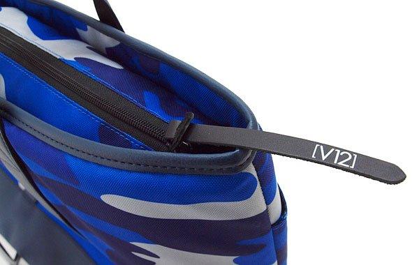 VI カモフラ柄BIGトート(ブルー)のコーディネート写真