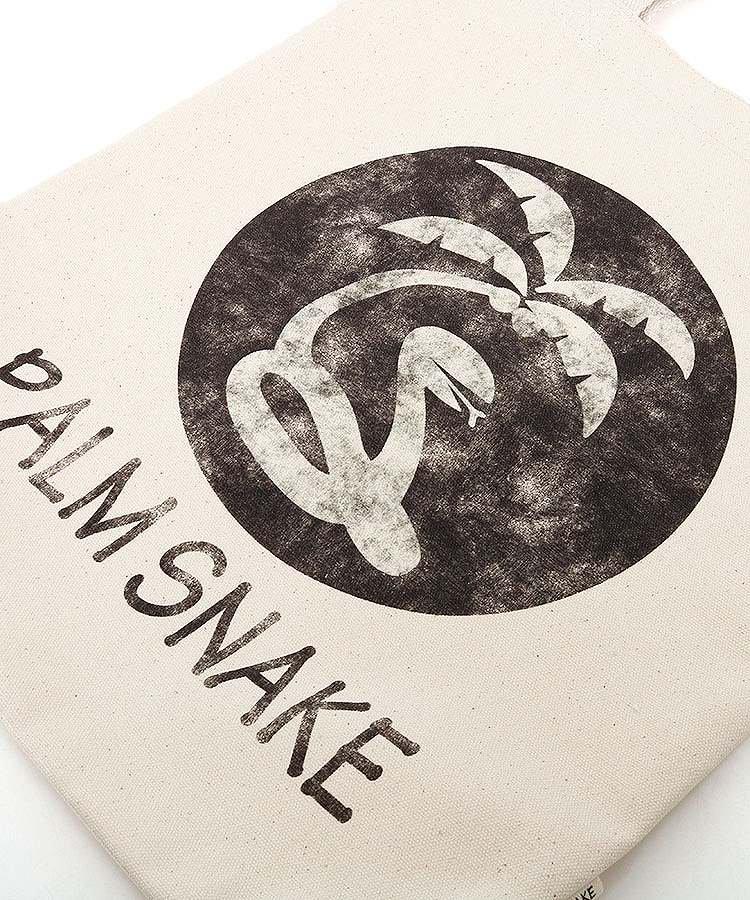 PA ウォッシュ風ロゴ◆キャンバストートのコーディネート写真