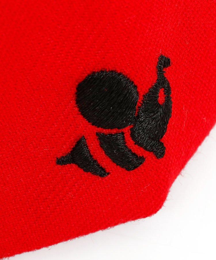 YA 「8」ロゴ刺繍♪平つばキャップ(レッド)のコーディネート写真