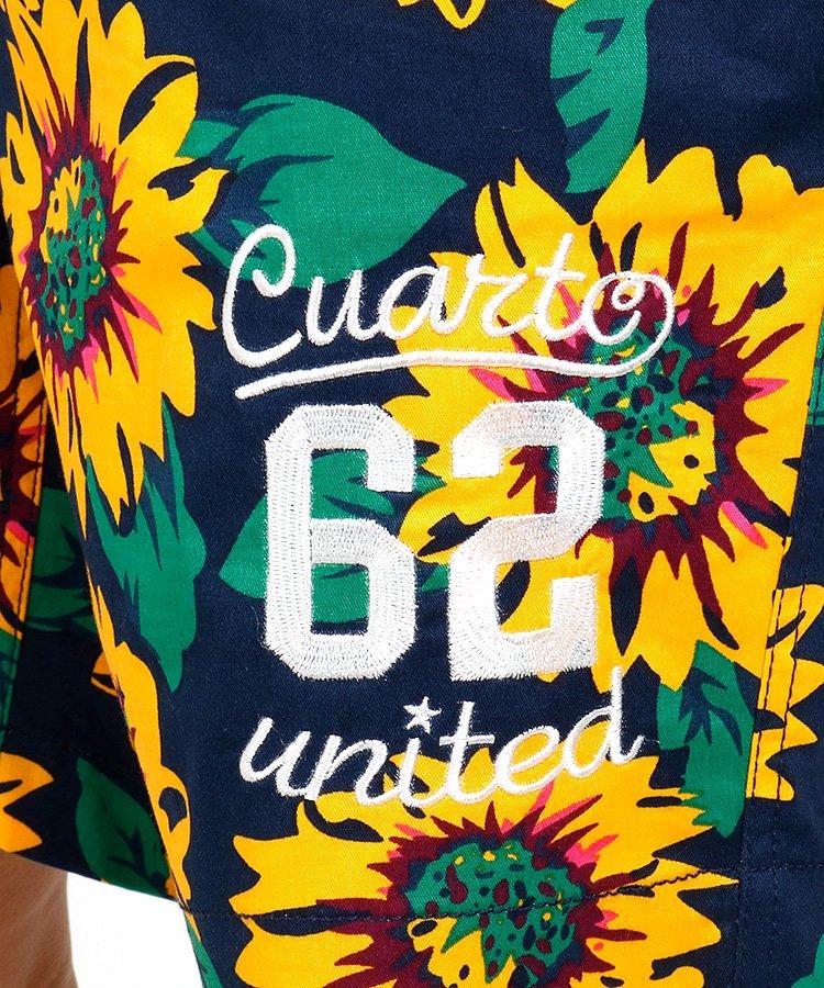 CU ひまわり柄ハーフパンツのコーディネート写真