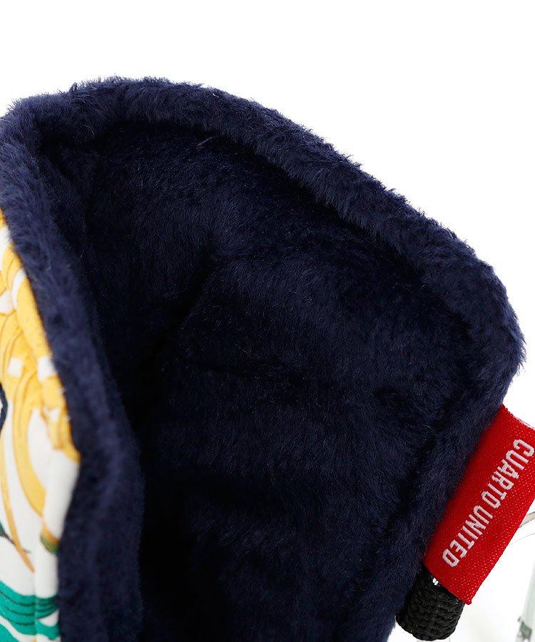 CU PalmTreeリーフ総柄ブレードパターカバーのコーディネート写真