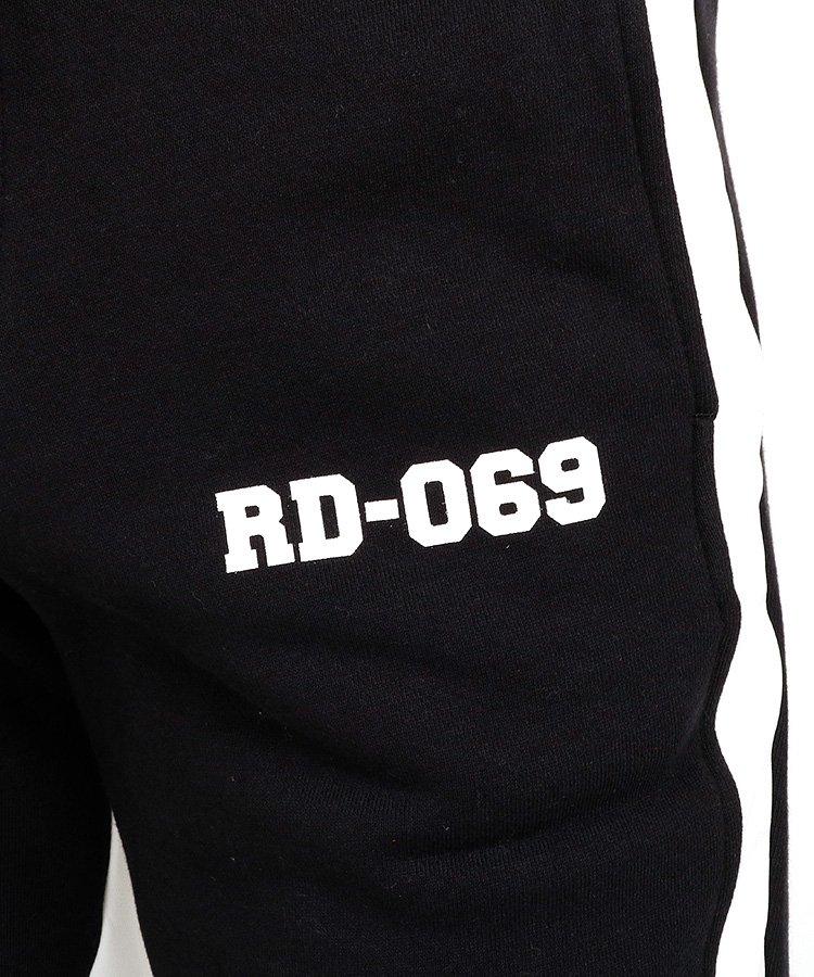 RD 素材切替スウェットパンツのコーディネート写真