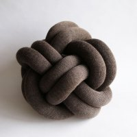 Design House Stockholm / Knot CUSHION(brown)